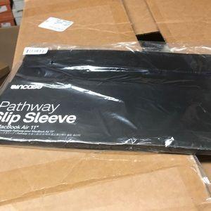 Incase MacBook Air sleeve new